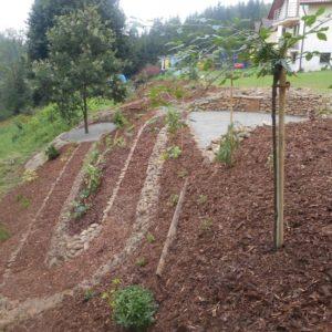 uprava zahrady s vyuzitim svahu_13