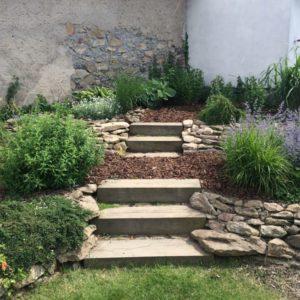 zahrada s dubovymi schody_13