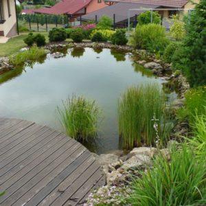 zahrada s terasou u jezirka_29